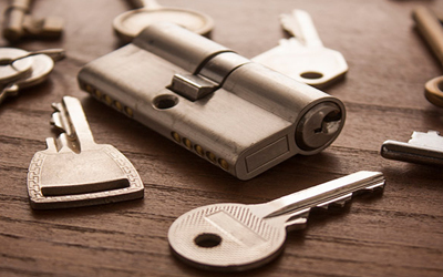 5 Essential Equipment Your Locksmith Must Carry